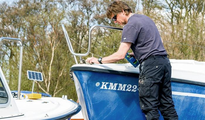 best cleaner for fiberglass boat