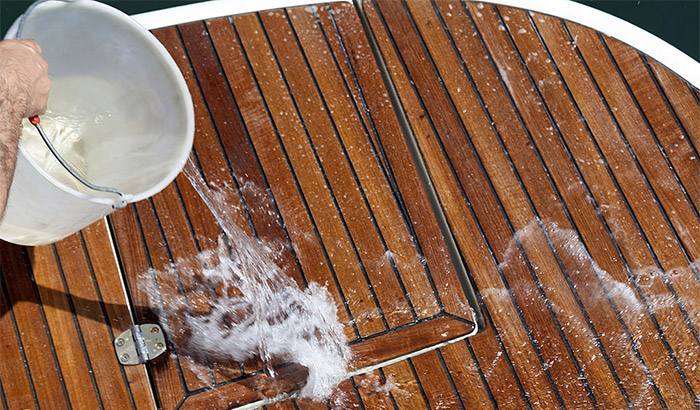 best-way-to-clean-boat-deck